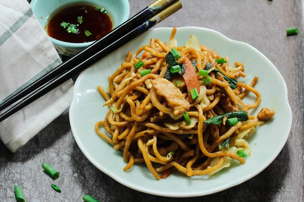 Homemade chicken lo mein