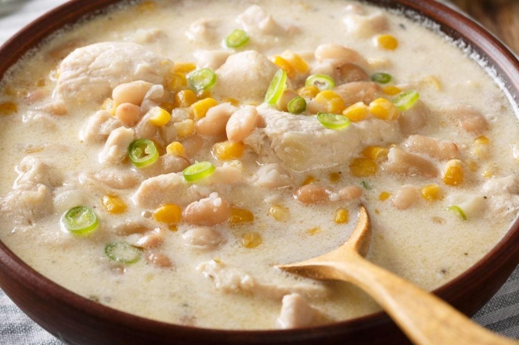 keto white chicken chili crockpot